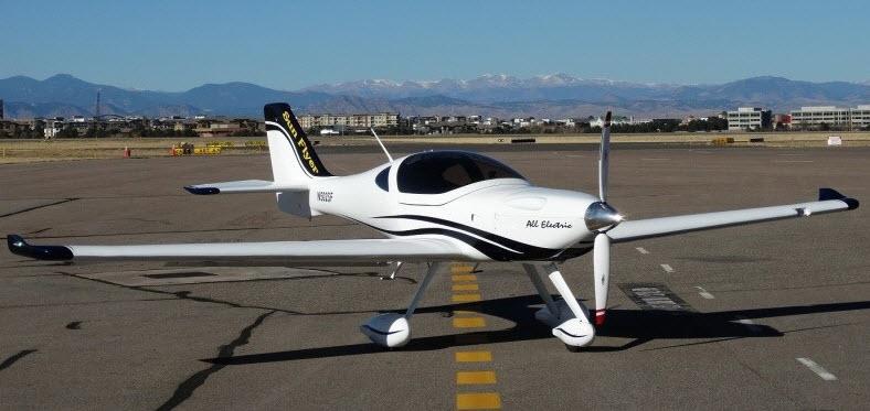 60 eFlyer-Trainingsflugzeuge bestellt