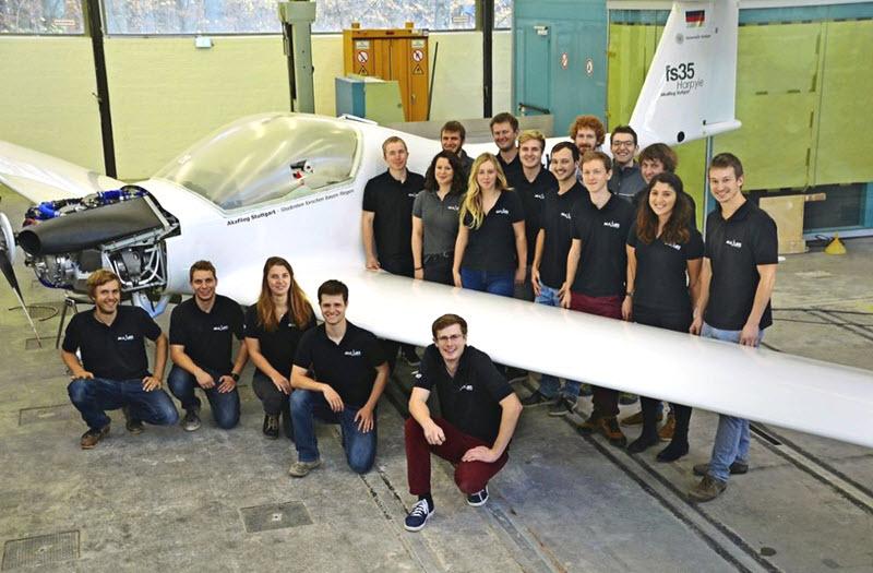 Studierende bauen Schleppflugzeug