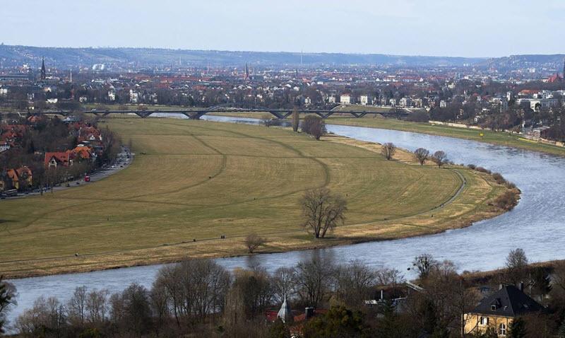 Tiefflug über Dresden: Pilot erwartet hohe Strafe