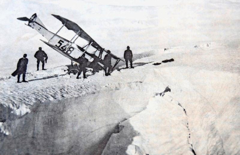 Pionierarbeit neben der Gletscherspalte