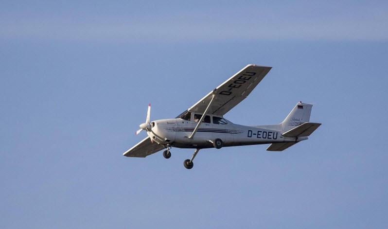 Passagiermaschine muss Landung wegen Kleinflugzeug abbrechen