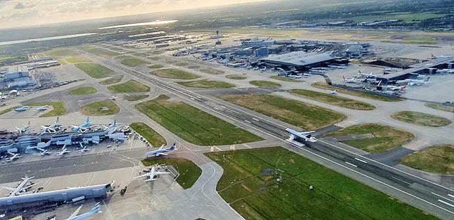 Mit kleinen Fliegern an große Flughäfen