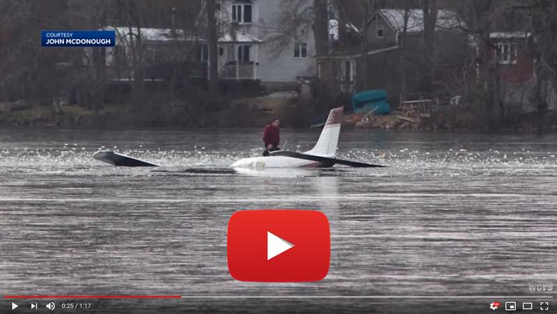 Flugzeug-Notlandung in See
