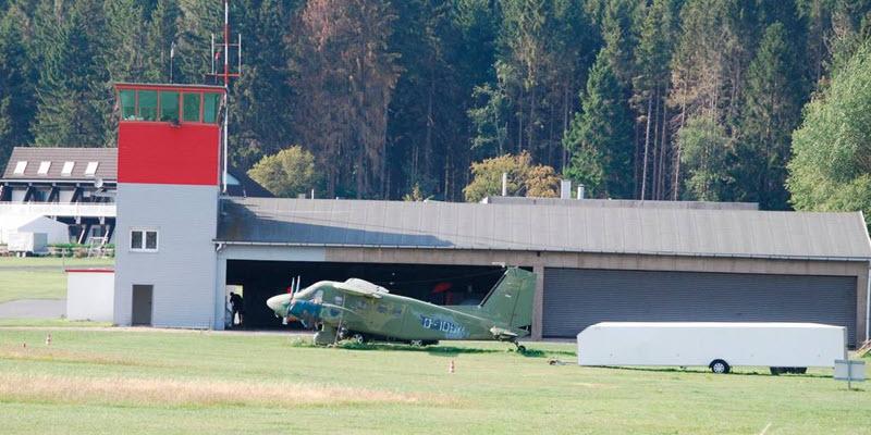 Flugplatz Breitscheid als getarnter Feldflughafen