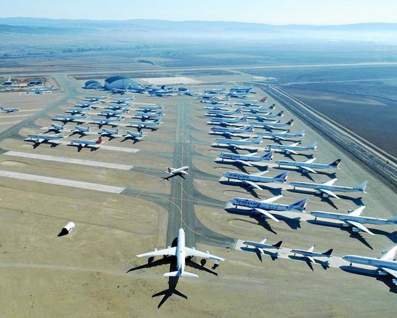 Hochbetrieb auf Flugzeugfriedhof