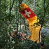Kleinflugzeug touchiert Baumspitze