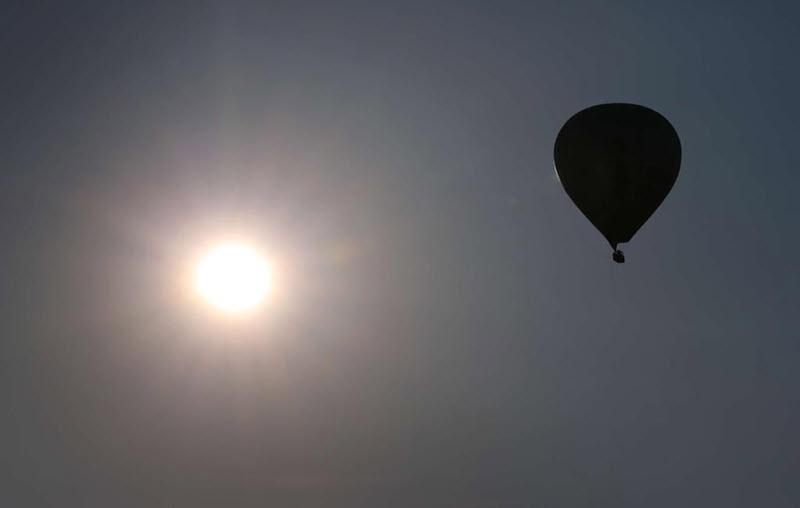 Flugzeug stösst beim Anflug fast mit Heißluftballon zusammen