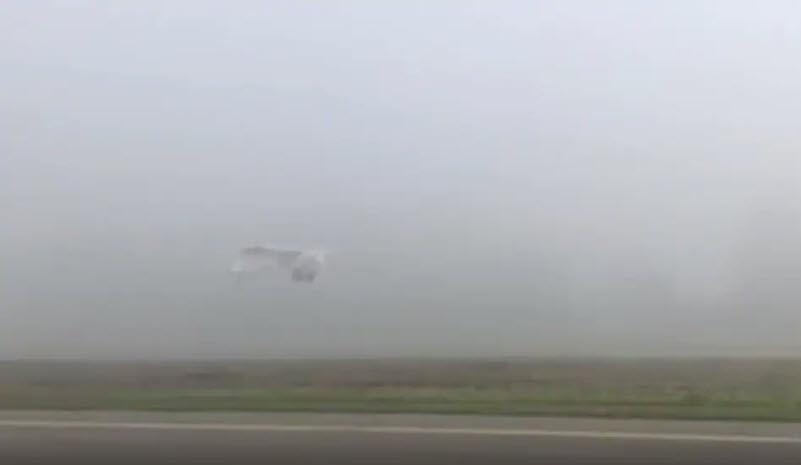 Pilot startet in dichten Nebel