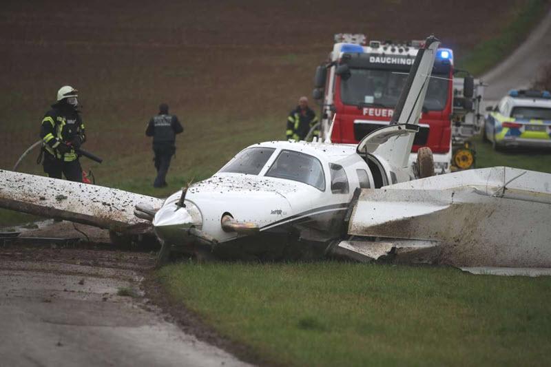 Kleinflugzeug-Pilot muss notlanden