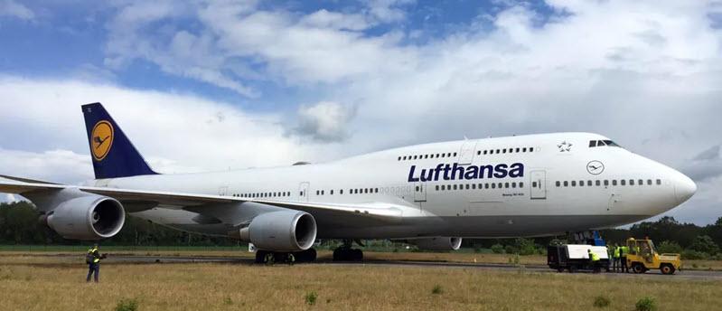 Boeing 747 von Lufthansa sitzen in Twente fest