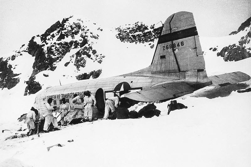 US-Militärflugzeug auf dem Gauligletscher