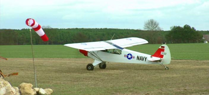 Dorf-Flugplatz für Ex-Flughafenchef