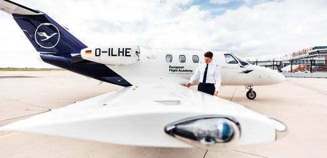 Lufthansa konzentriert praktische Pilotenausbildung in Rostock