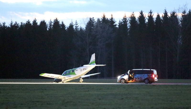 Kleinflugzeug muss in Auerbach notlanden