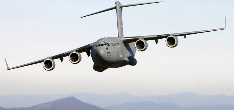 Tiefflug einer NATO-Militärmaschine
